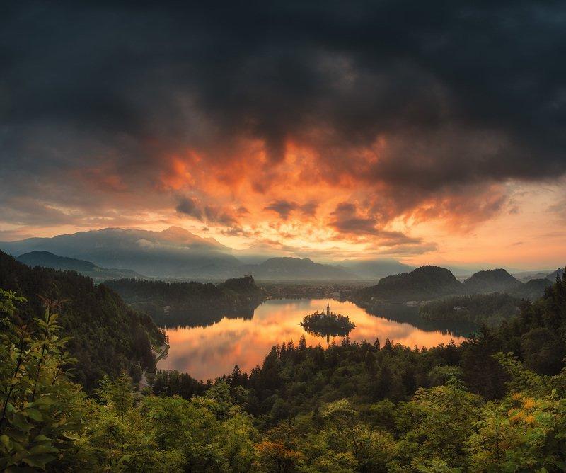 Рассвет в Словенииphoto preview