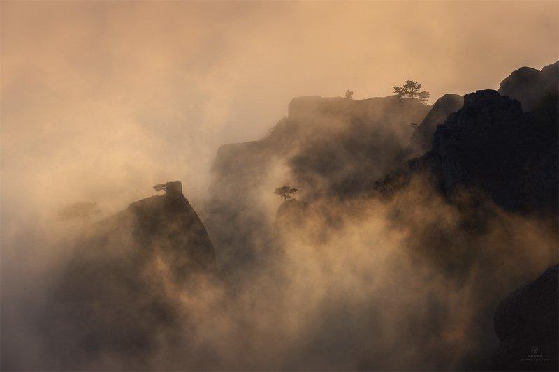 В тумане Долины Привиденийphoto preview