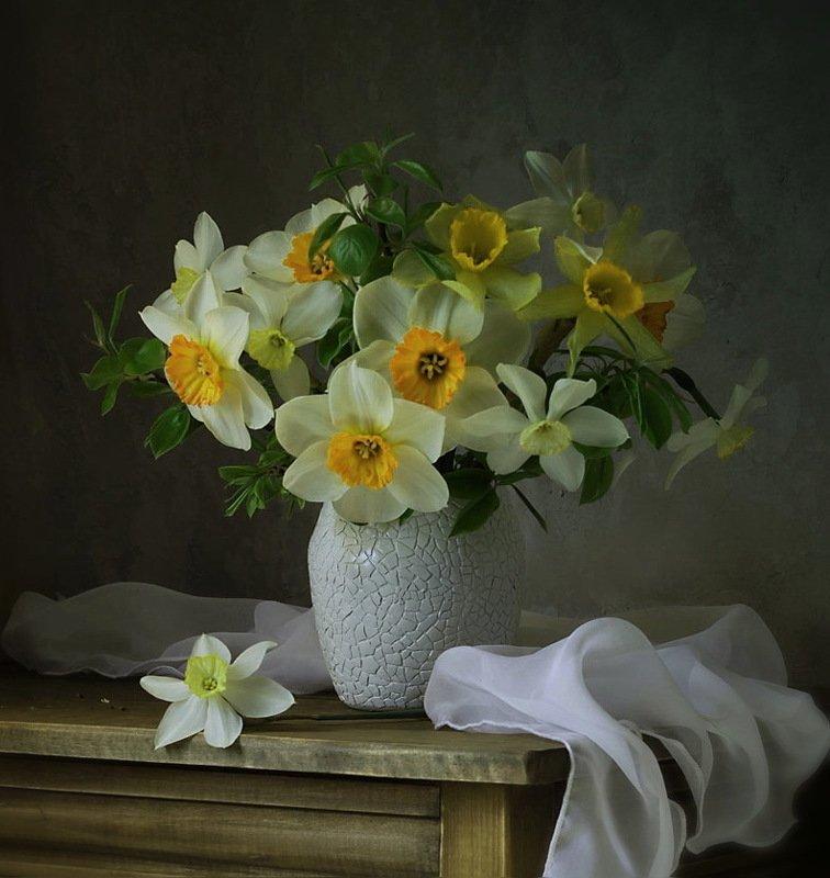 натюрморт, цветы, нарциссы, букет, ваза, весна нарциссыphoto preview