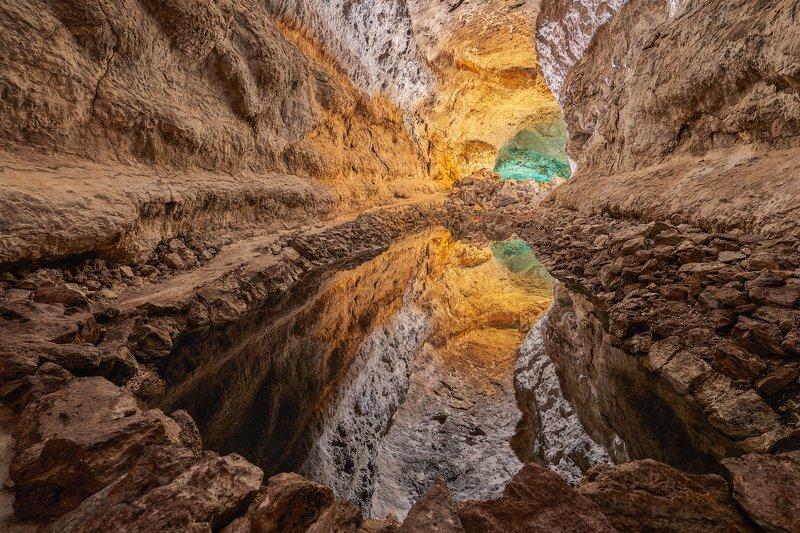 Cueva De Los Verdesphoto preview