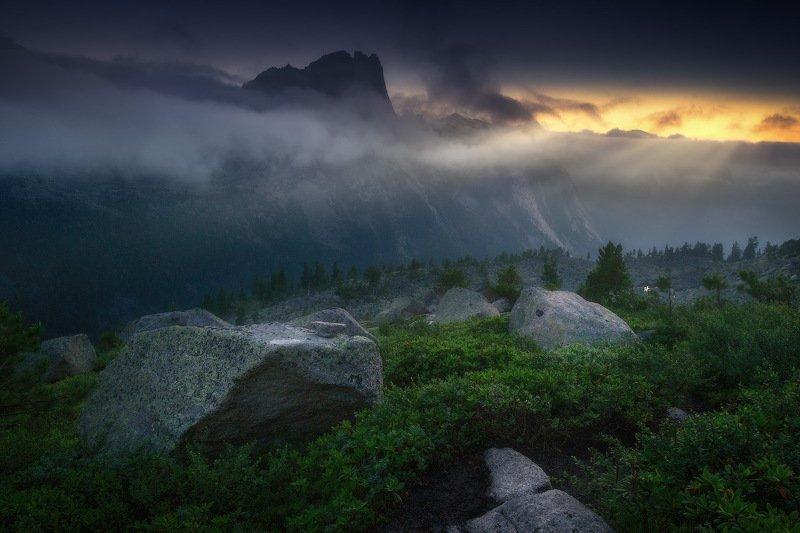 ергаки, горы, саяны, западныйсаян, сибирь, фототур Рассвет в Саянах фото превью
