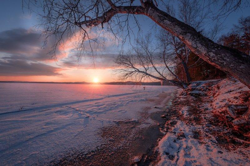 тургояк, озеро, урал, рассвет, лед, снег, весна, апрель, дерево, путешествие, сцена Рассветный Тургоякphoto preview