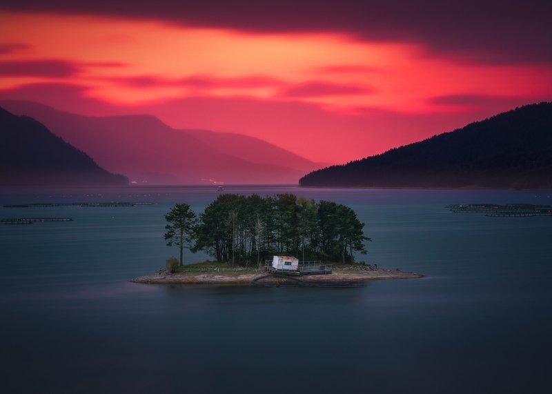 bulgaria, island  Silencephoto preview