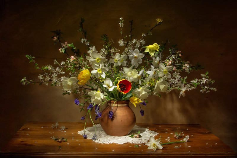 натюрморт, тюльпаны, нарциссы, яблоня, вишня, крокусы Цветущий май...photo preview