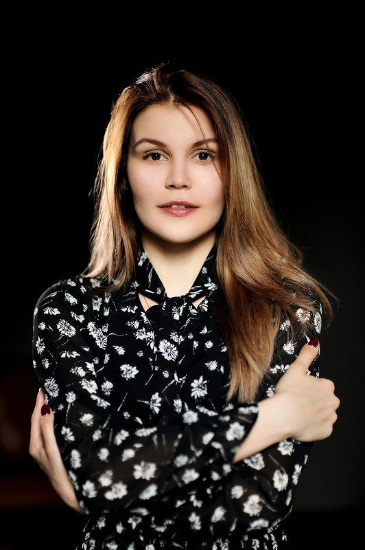 девушка,портрет,студия Иринаphoto preview