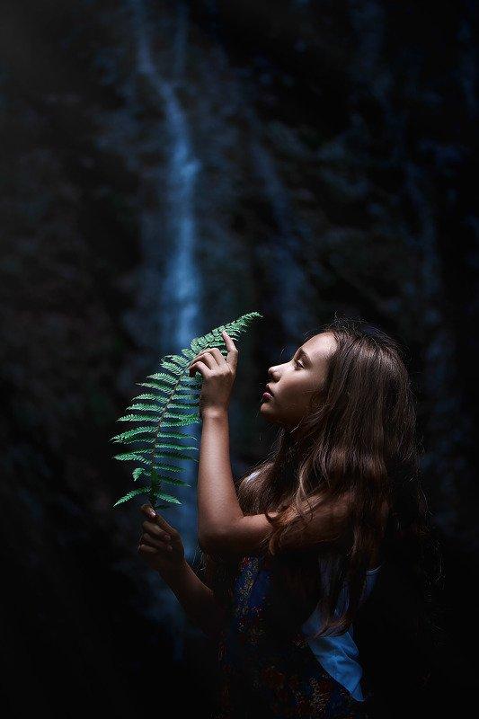 водопад девушка photo preview