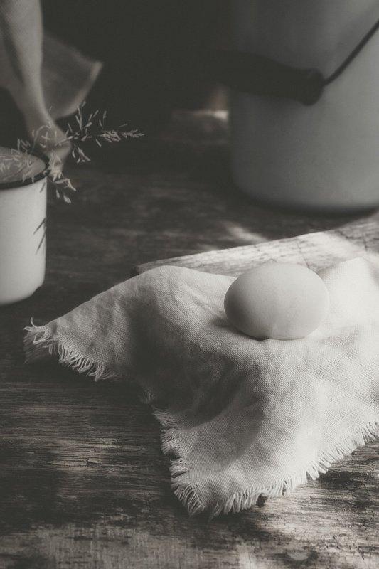 натюрморт, яйцо, грубая ткань,бидон,утро Ранее утро 2photo preview
