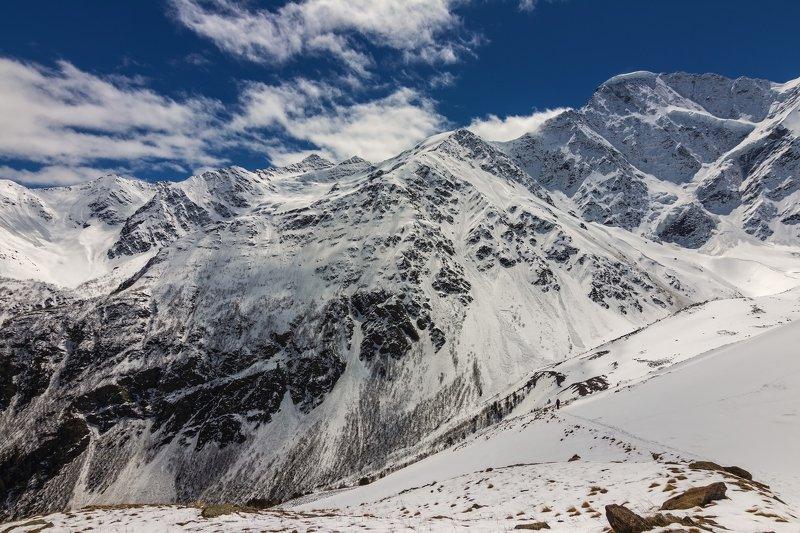 горы, облака, кавказ,восхождение He was alone...photo preview