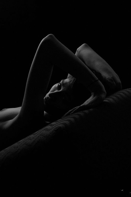 nude, sexy, sensual, model, models, female, woman, studio, people, mood, girl, girls, fineart, dark, shadows, silhouette,  photo preview