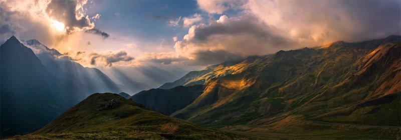 природа, пейзаж, горы, кавказ, природа россии, дикая природа, закат, свет, облака, вечер, весна, панорама Первозданный мирphoto preview