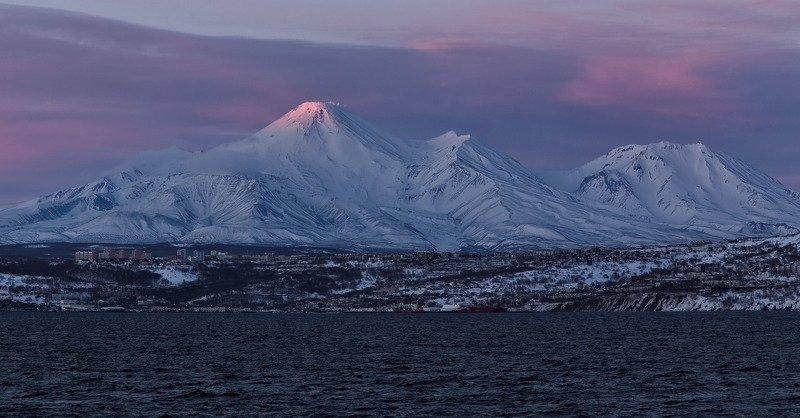 зима, вечер, вулканы, город, рейд, авачинский, козельский, бухта вечер на Камчаткеphoto preview