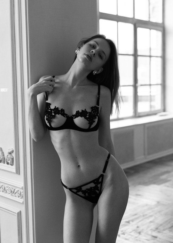фотомодель, портрет, чб, девушка, красивая, взгляд, черно-белое, woman, beautifull, portrait, black & white, monochrome, canon6d, toples, nude, sexy Ленаphoto preview