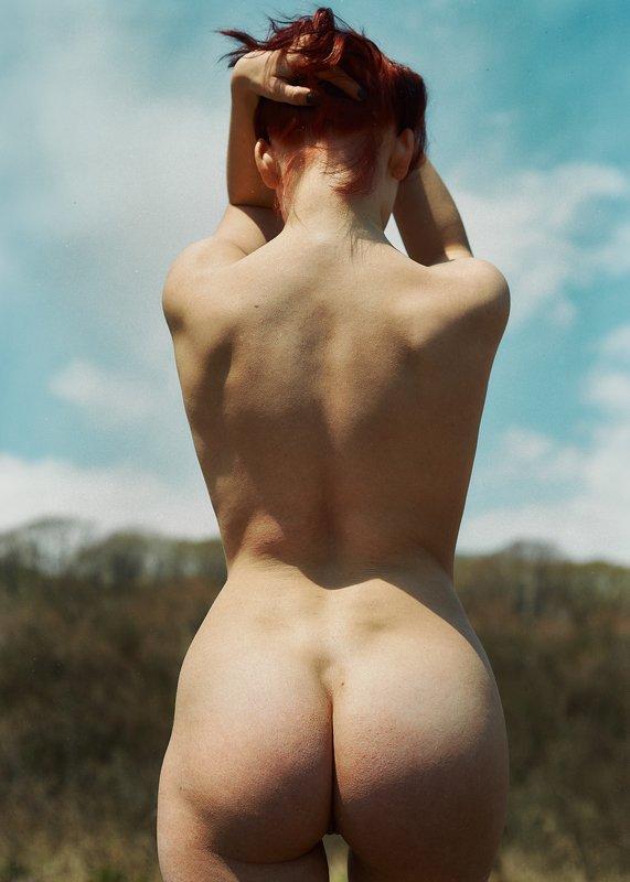 Полина со спиныphoto preview