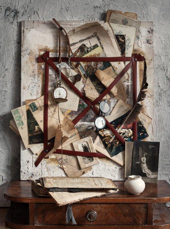 натюрморт, открытка, бумага, книга, still life, old books, старые книги Натюрморт с открытками и листами из книгphoto preview