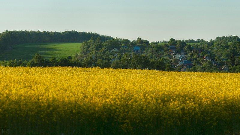 Некоторые деревушки расположены в очень живописных местах.photo preview