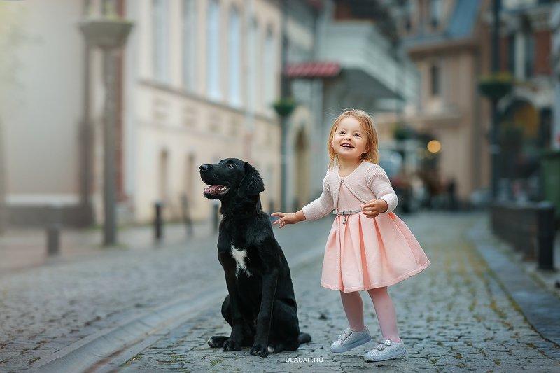 грузия, georgia, тбилиси, tbilisi, портрет, весна, spring, ребенок, дети, прогулка, фотосессия на природе, девочка, girl, животное, собака, dog, фото дети, детские фотографии, радость, малыш, друзья, happy, фотопрогулка, любовь, love, лабрадор ***photo preview