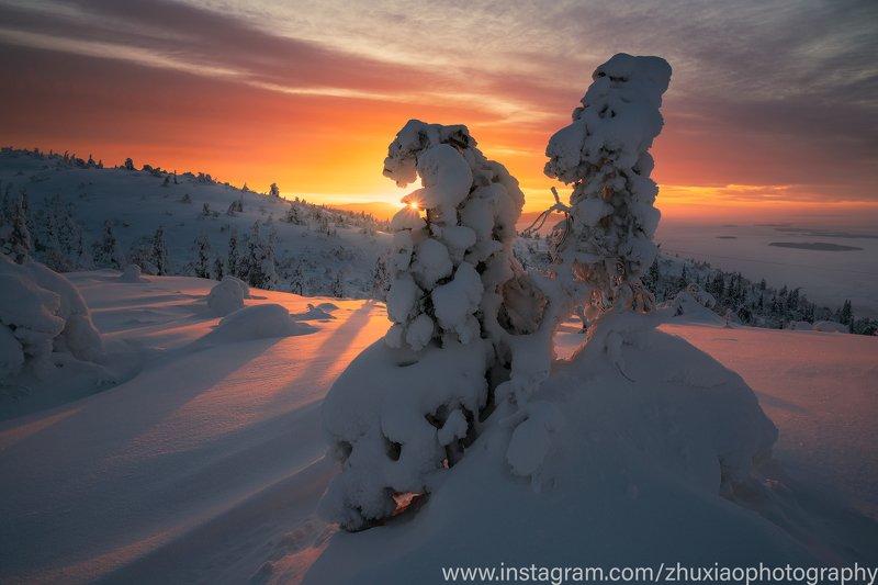 Восход солнца на Кольском полуостровеphoto preview
