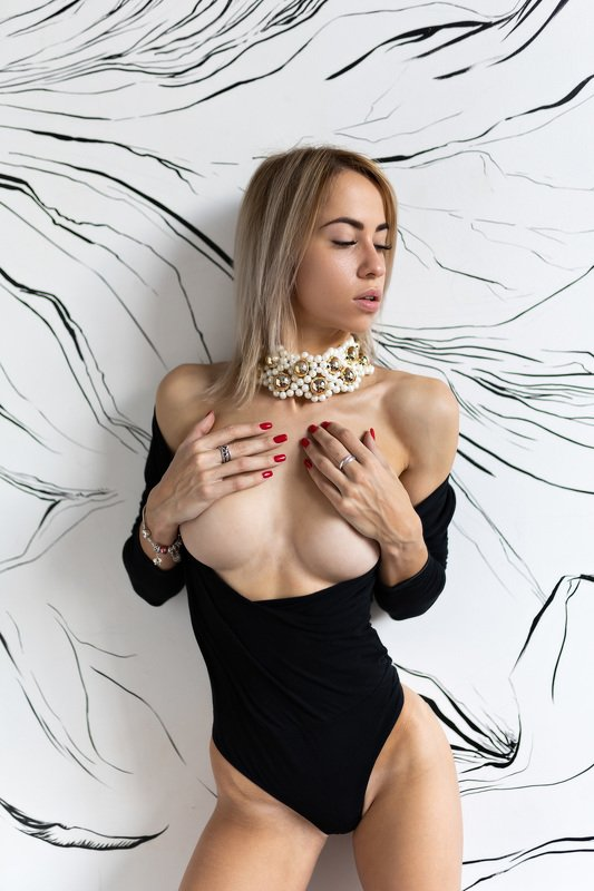 nude girl russian studio light topless Maria Reznikovaphoto preview