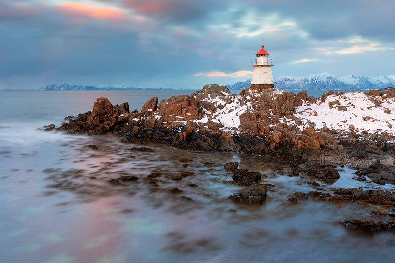 Lofoten lighthousephoto preview