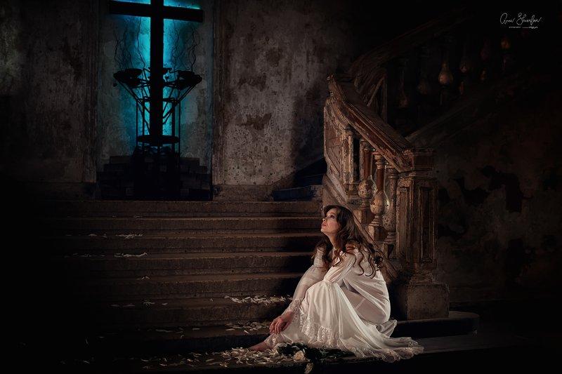 портрет красота девушка арт Брошеннаяphoto preview