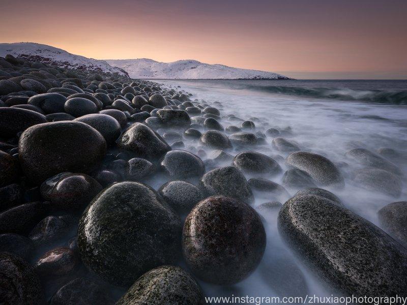 Огромный каменный пляжphoto preview