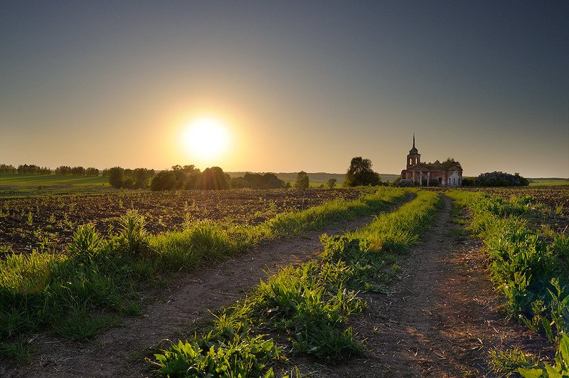церковь, закат, рассвет, солнце, поле, дорога Нутренка на закатеphoto preview
