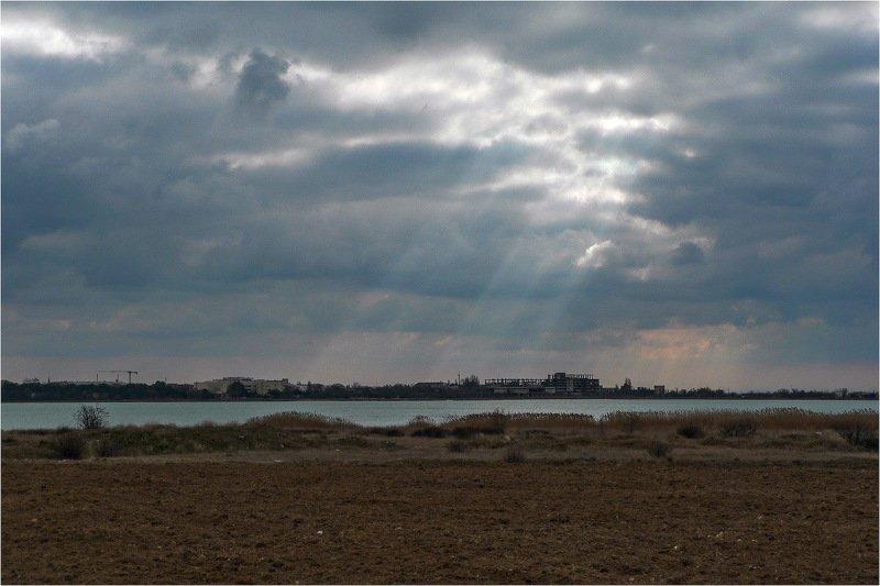 Свет над Мойнакским озеромphoto preview
