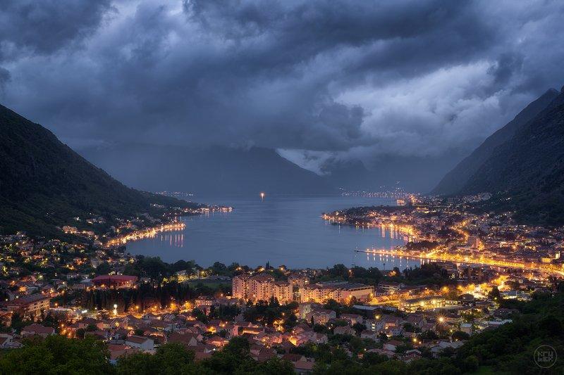 черногория, котор, сумерки, небо Сумерки в Бока-Которской бухтеphoto preview