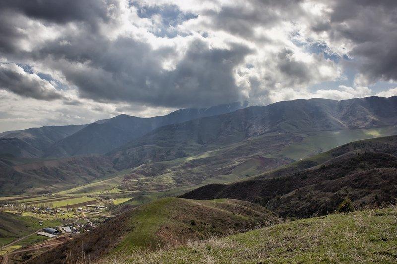 кыргызстан, горы С надеждой на солнцеphoto preview