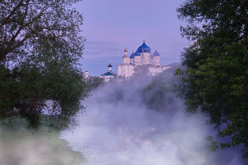 утро, рассвет, туман, собор, боголюбово Боголюбский монастырь ранним туманным утромphoto preview