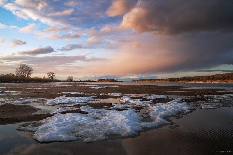 река, весна, закат, берег, северная двина После ледоходаphoto preview