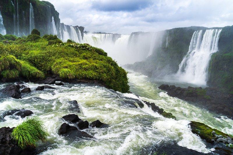 пейзаж, природа, Водопады Игуасу, Бразилия Водопады Игуасу, Бразилияphoto preview