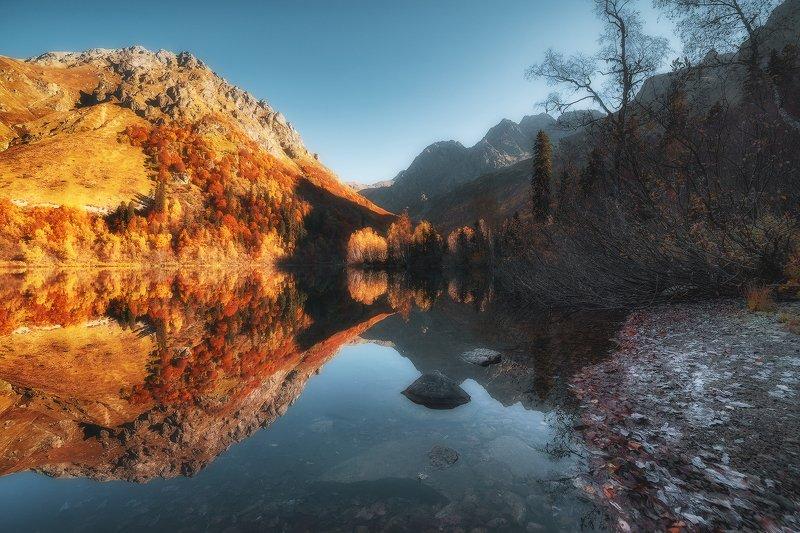 рассвет, отражение, осень, озеро, горы, кавказ Рассвет на озере Кардывачphoto preview