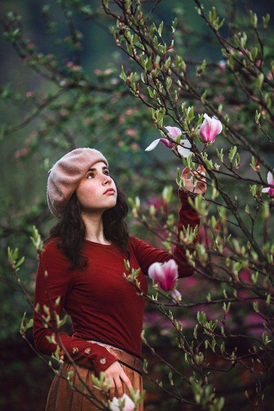 портрет, модель, магнолия, девушка, весна Ольгаphoto preview