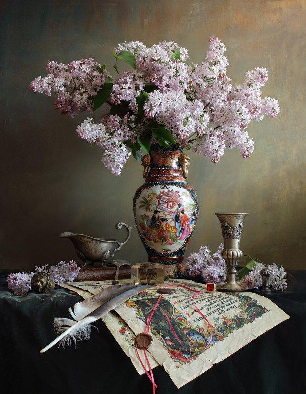 цветы, сирень, яблоня, ваза, посуда, свет, антиквариат Натюрморт с цветами в китайской вазеphoto preview