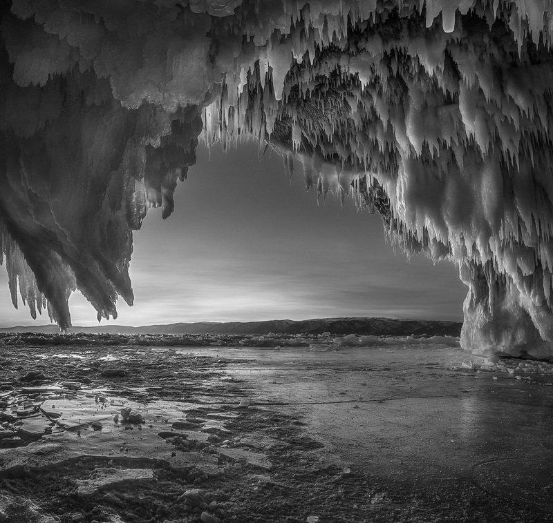 байкал, зима, лед, снег, путешествие, закат, пещера, сосульки Ледяное царствоphoto preview