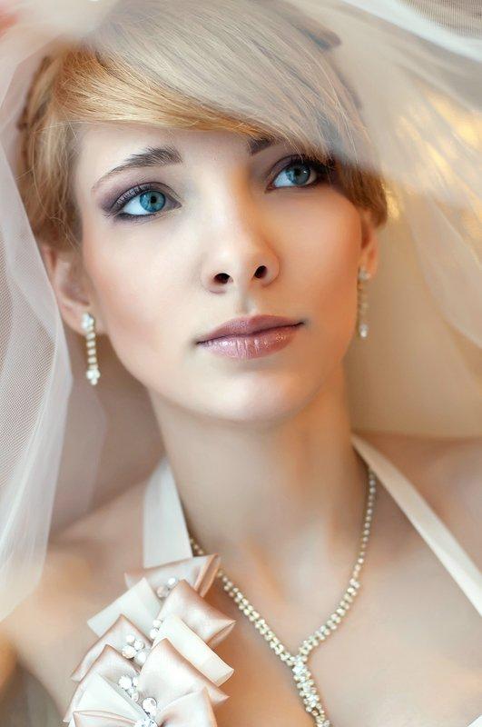 свадебная фотография Невестаphoto preview