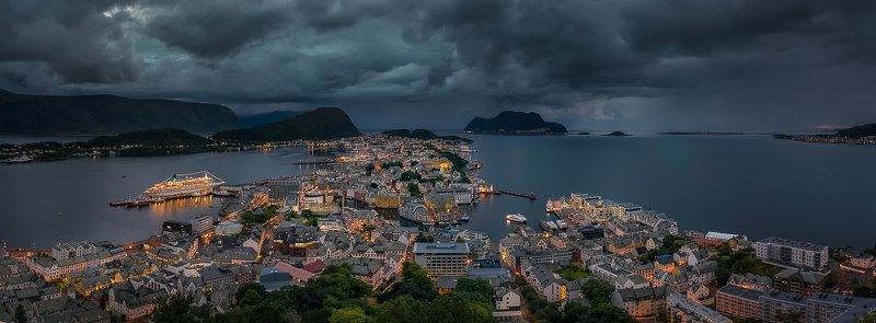 city,light,alesund,norway,cityscape Ålesund,Norwayphoto preview