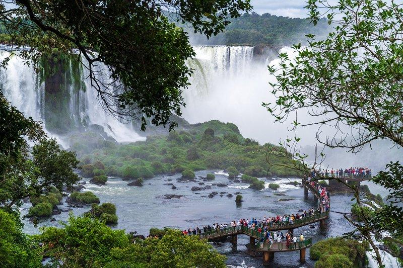 пейзаж, природа, национальный парк, Водопады, Игуасу, Бразилия Смотровая площадка в национальном парке Водопады Игуасу, Бразилияphoto preview