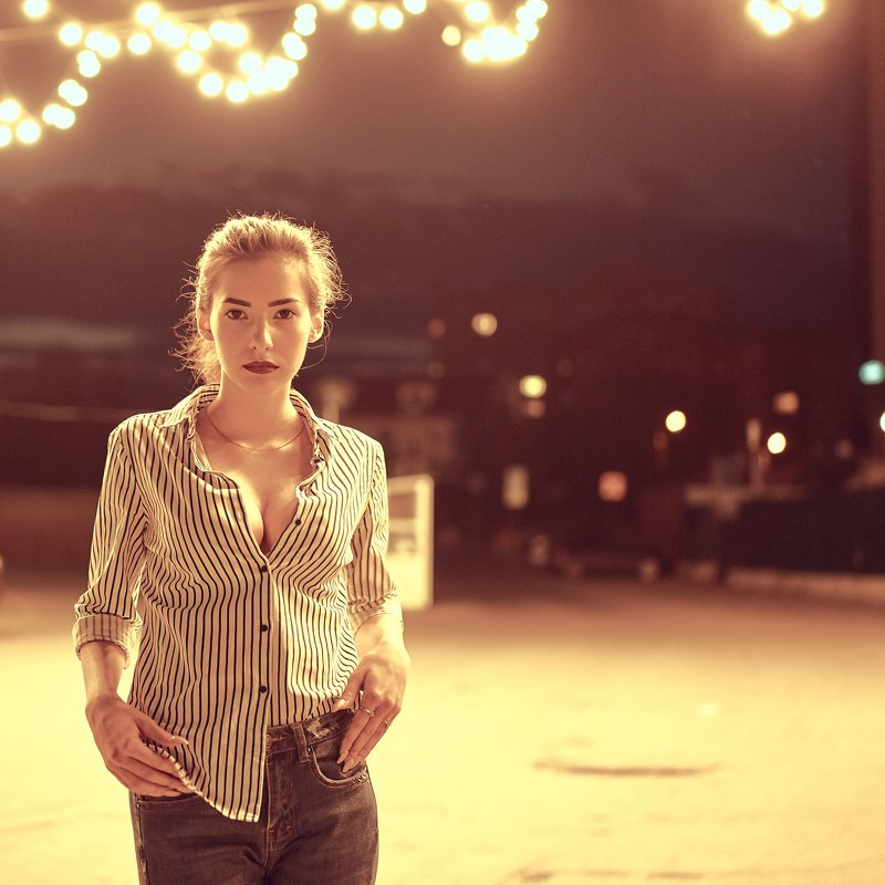 ульяновск, девушка, вечер, улица, рубашка, джинсы, лампа ***photo preview