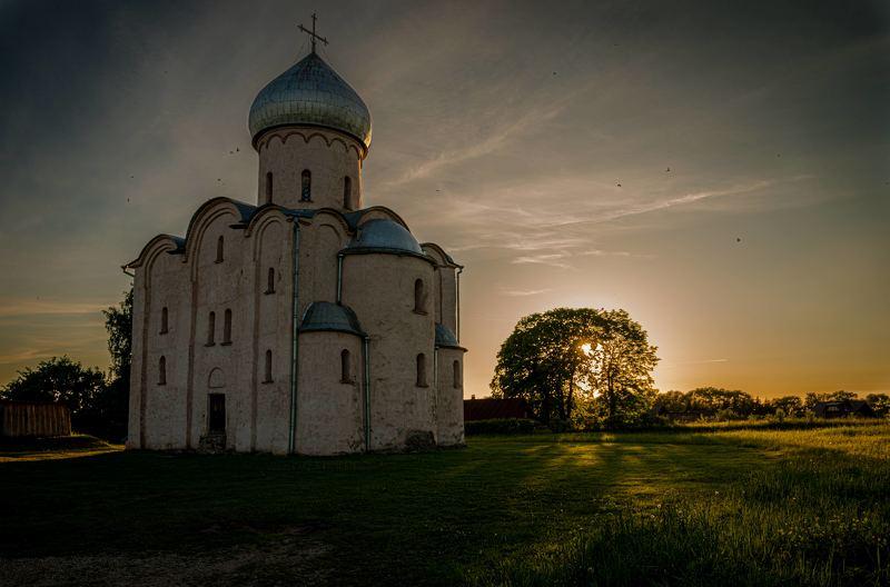 Летний вечер близ Спас-Нередицыphoto preview