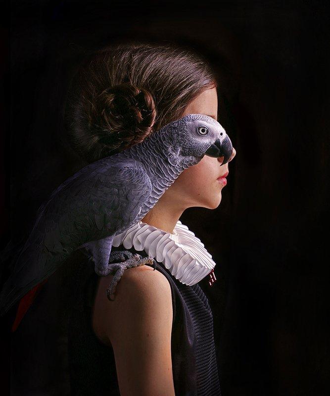 girl portrait parrot bird  Iris & Senyaphoto preview