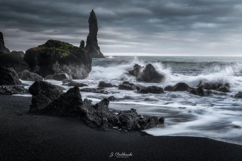 iceland, reynisfjara, black sand beach, waves, ocean, wind Black Sand Beachphoto preview