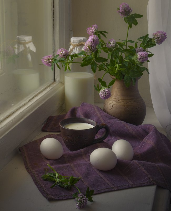 натюрморт,июнь,лето,клевер,молоко,яйцо Июньphoto preview