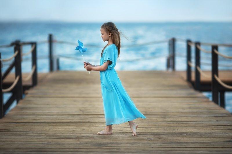 Девочки, море, ветер, красота Пирсphoto preview
