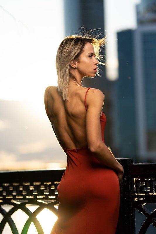street, portrait, walk, sunset, model, tatto, body, sport, dress, red Reznikova Maria фото превью