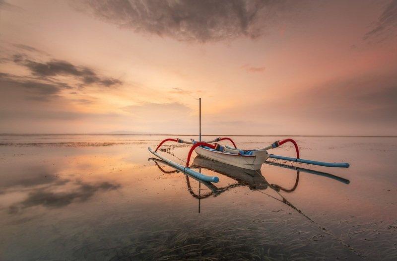 Бали, рассвет, лодка Рассветphoto preview