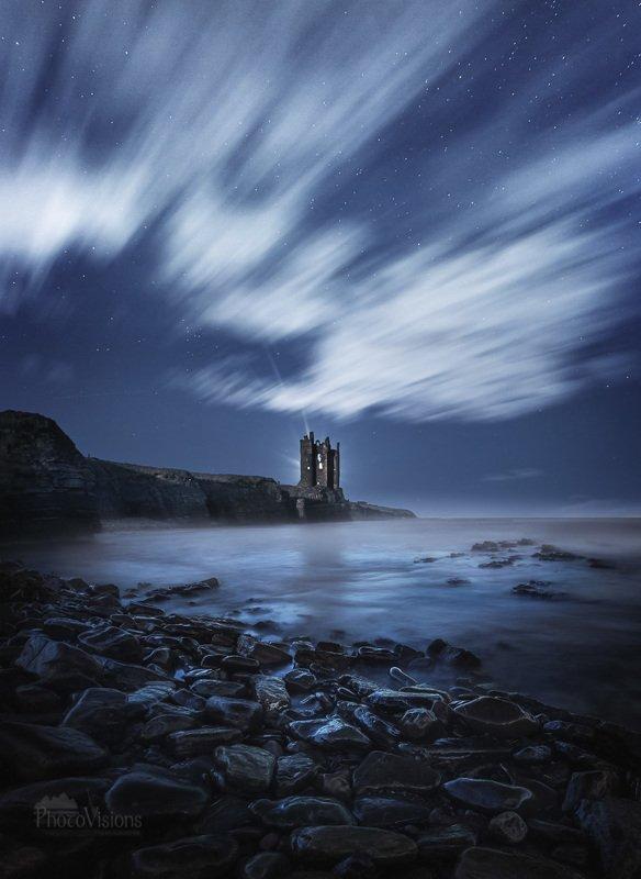 keiss castle,scotland,scottish,ruins,castle,ruined,tower,coast,shore,cliff,highlands,europe,night,moon,stars,long exposure,night sky Keiss Castle Ruins, Scotland. фото превью