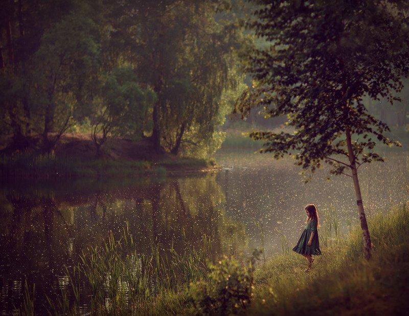 девочка, пруд, озеро, вода, отражение, лес, деревья Июньphoto preview