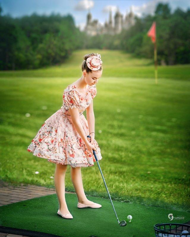 девочка, гольф, сказка, спорт, игра, лето, трава, зелень, клюшка, винтаж Гольф для принцессphoto preview